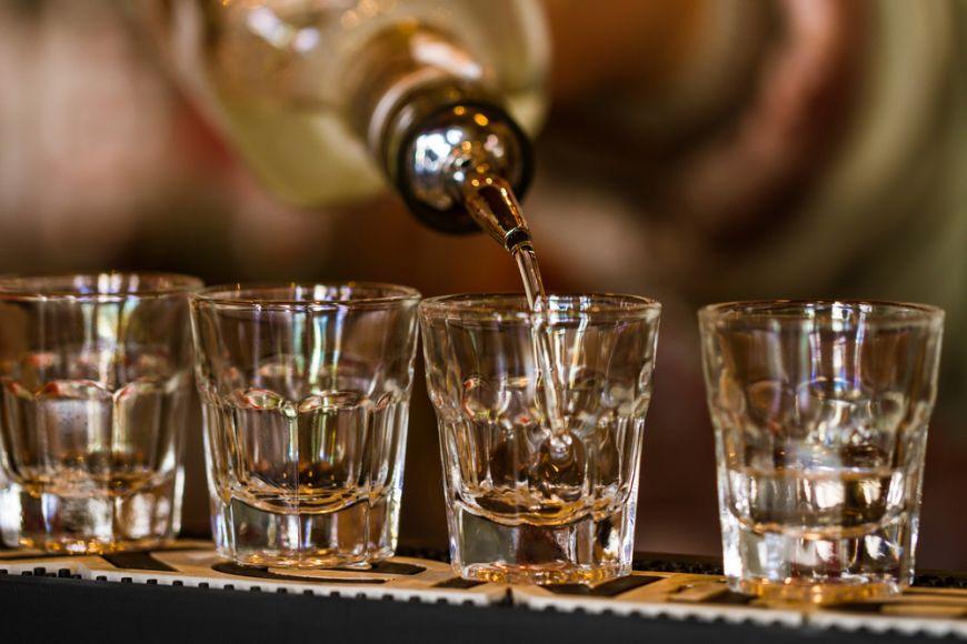 Adevarul despre alcool. Bauturile care dau cele mai mari dureri de cap a doua zi