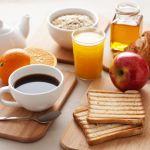 5 obiceiuri bune pentru micul dejun
