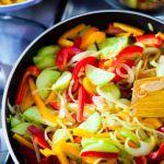 5 trucuri de gatit care te vor face sa te indragostesti de legume