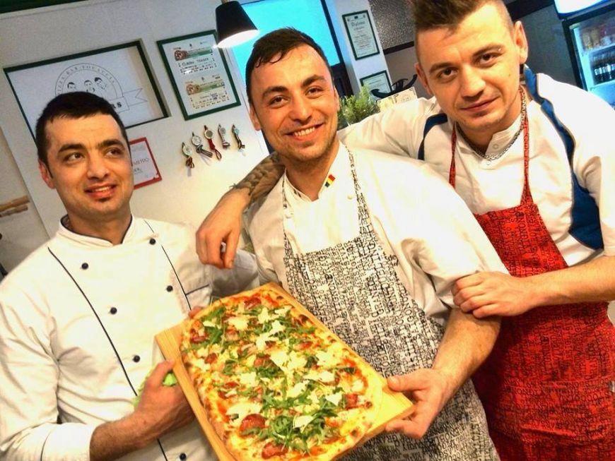 "Un semi-finalist ""Romanii au Talent"" si-a deschis pizzerie in Bucuresti. Printre clienti se numara vedete, bucatari si concurenti de la MasterChef"
