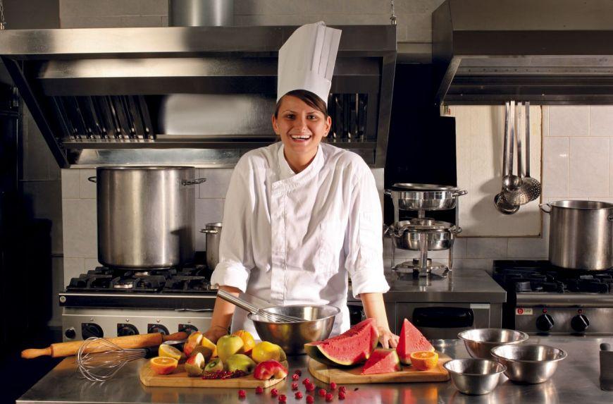 """Ana Consulea, expert cofetar la Zexe Cofeturi: """"Meseria de patiser frizeaza perfectiunea, nu e pentru oricine"""""""
