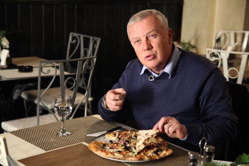 """""""Un meniu stufos si preturi exagerate. Ce a gasit Chef Victor Melian in primul restaurant de la Vine CHEFul"""