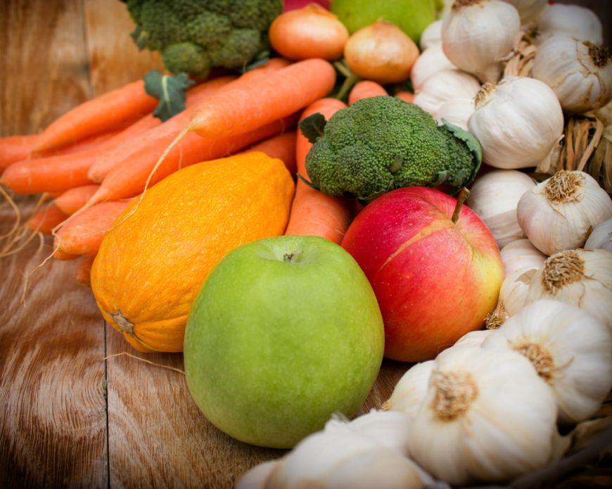 INFOGRAFIC: Cum sa pastrezi fructele si legumele proaspete cat mai mult timp