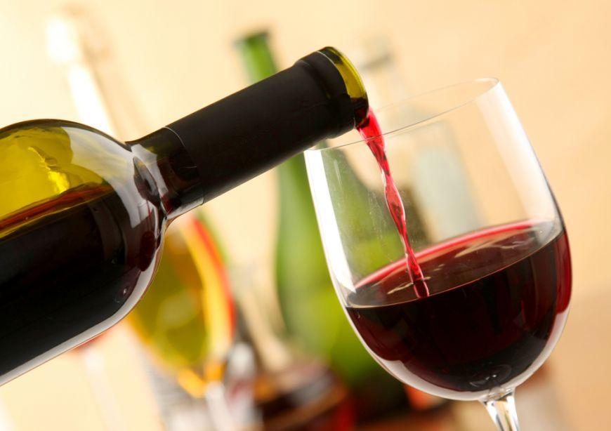 Cate pahare de vin sunt intr-o sticla si alte lucruri interesante despre vin