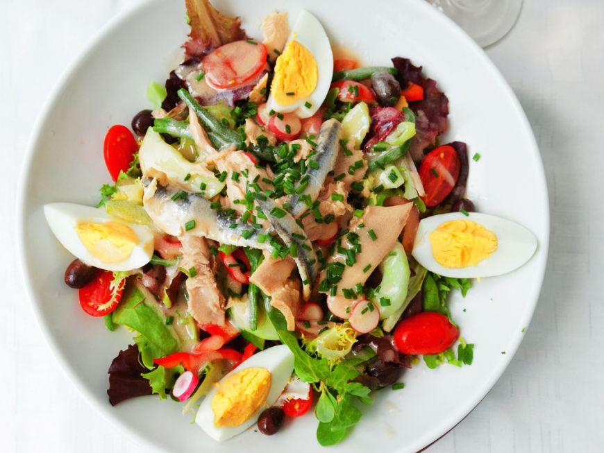 5 salate gustoase cu oua fierte