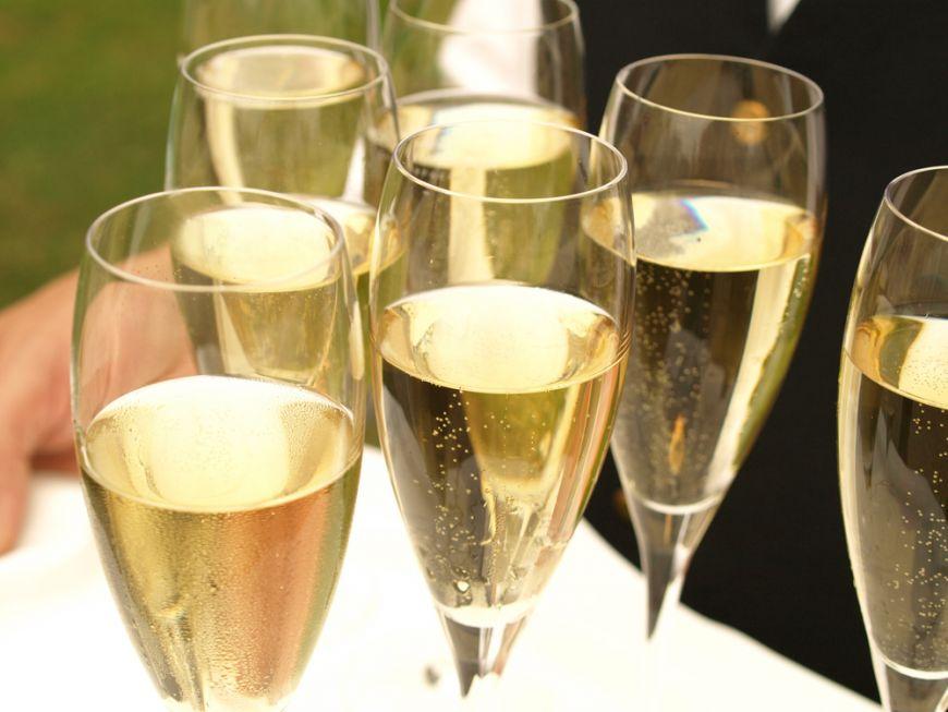 De ce vinul italian Prosecco a devenit mai popular decât șampania franțuzească