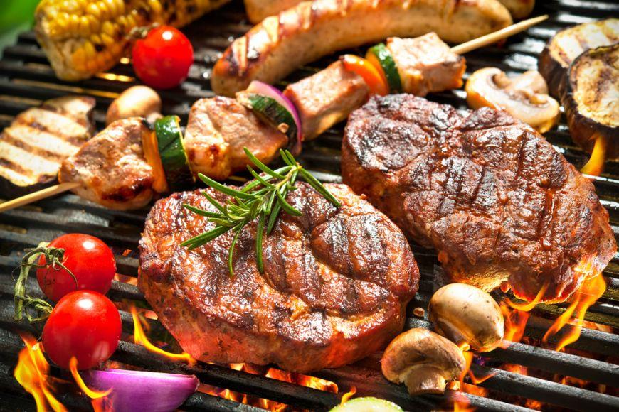 Ce mananca romanii, ep 2. Gratarul de vara: cate calorii are un mic si ce carne ingrasa cel mai mult