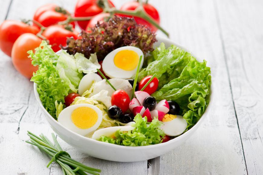 Cel mai simplu truc pentru ca orice salata de vara sa fie si mai sanatoasa