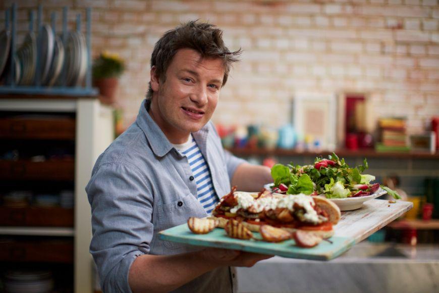 Masura pe care a luat-o Jamie Oliver impotriva consumului de zahar. Cum s-a hotarat bucatarul sa-l taxeze in restaurantele sale