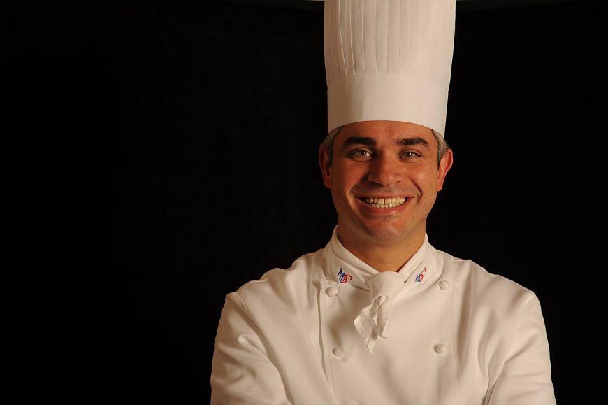 Benoit Violier, chef-ul celui mai bun restaurant din lume, a fost gasit mort in locuinta sa. Politia elvetiana a anuntat ca s-ar fi sinucis