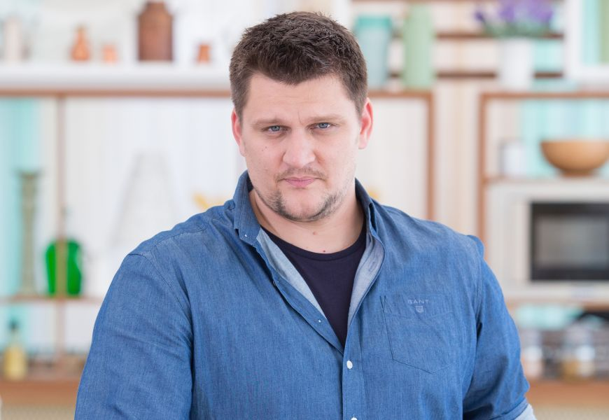"""Alex Stan, juratul perfectionist de la Bake Off Romania: """"Nu as vrea sa vad toate torturile imbracate in martipan"""""""
