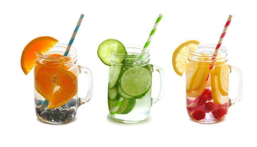 Apa cu vitamine... Inlocuieste cafeaua de dupa pranz cu ceva mai sanatos!