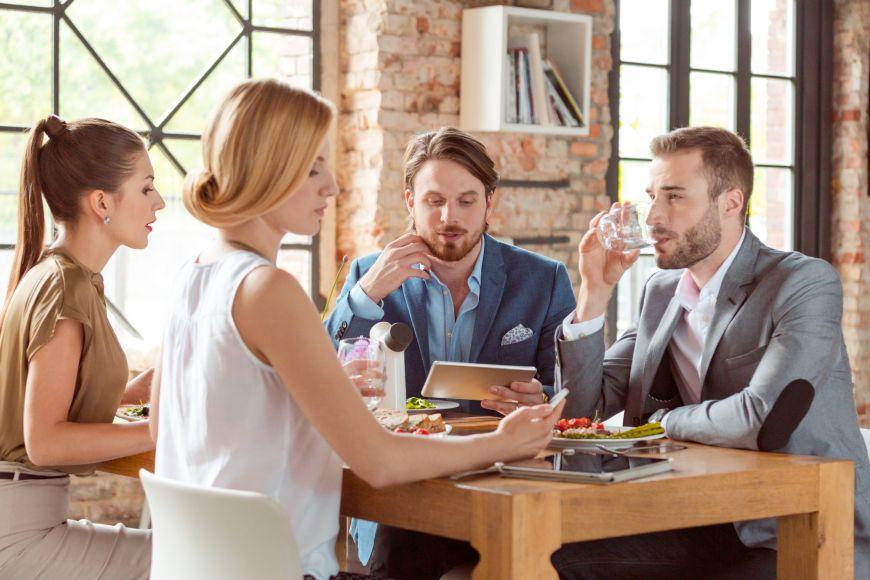 4 sfaturi: cum sa te pregatesti pentru un pranz de afaceri