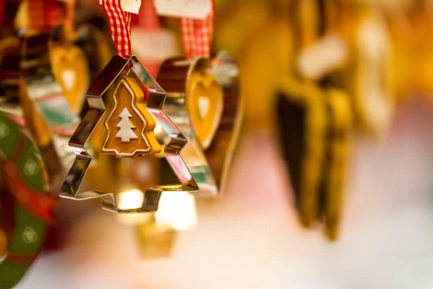 Pontul zilei: Ornamente de brad din forme pentru prajituri
