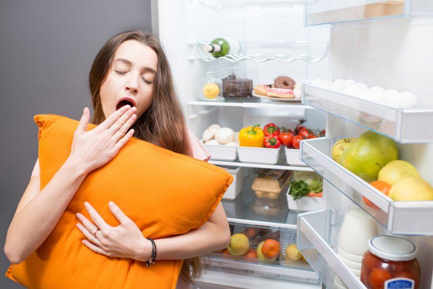 7 alimente si bauturi pe care nu trebuie sa le consumi inainte de somn