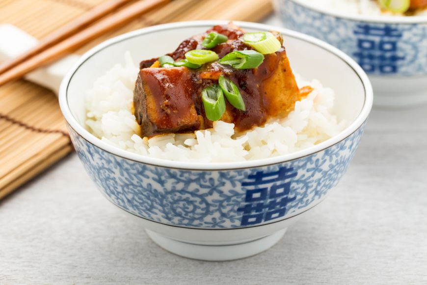 O rețetă delicioasă și ușoară, pentru perioada de după sărbători: tofu in sos barbeque la cuptor