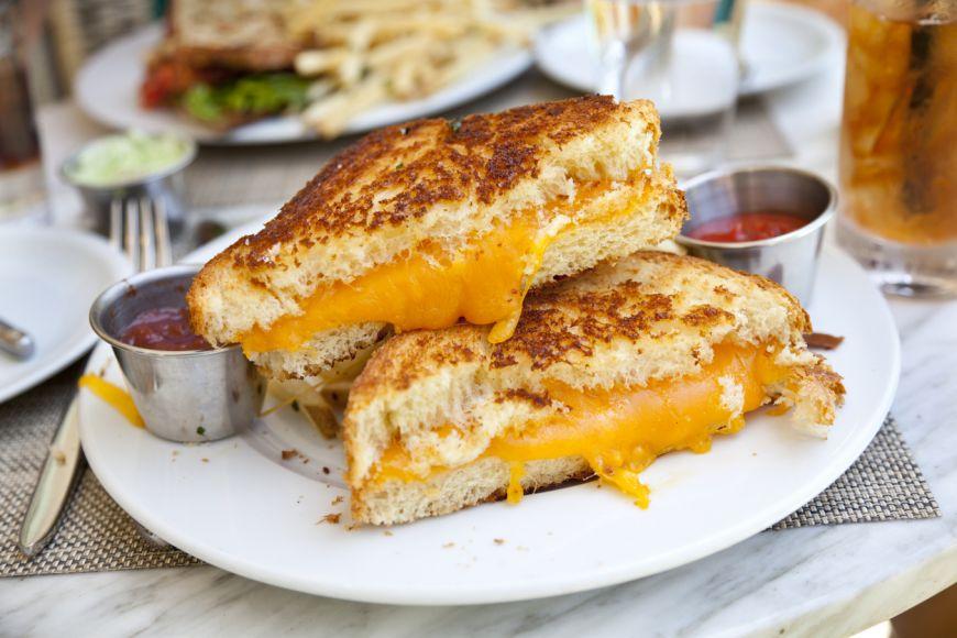 5 trucuri pentru un sandvis cu branza perfect