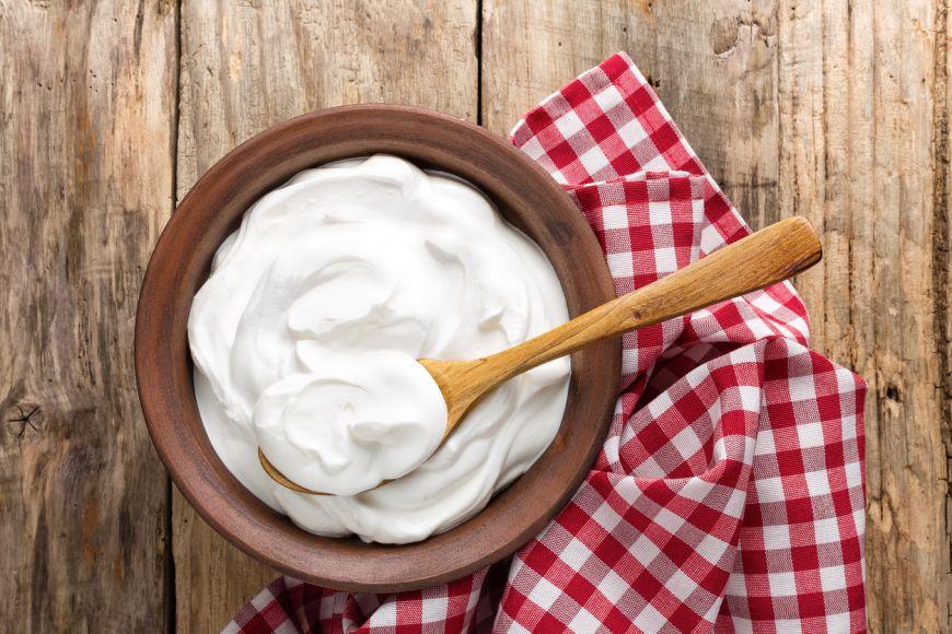 Te învățăm trucuri în bucătărie: cum să folosești iaurtul grecesc în preparate