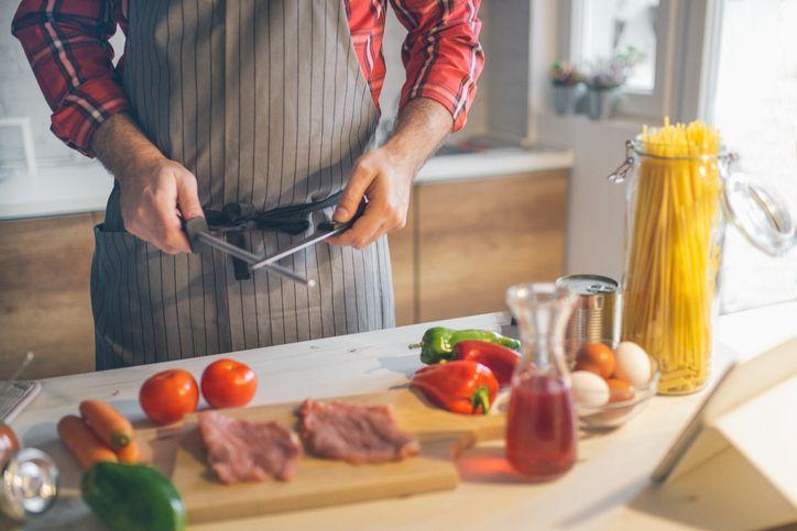 Vrei să îți protejezi cât mai mut cuțitele de bucătărie? Ce greșeli trebuie să eviți și ce trebuie să faci
