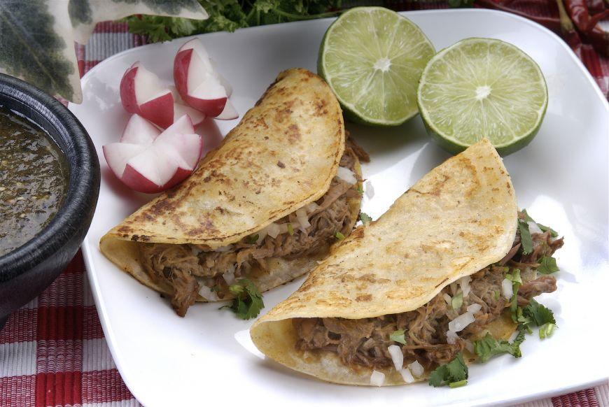O rețetă din bucătăria unei mexicance adevărate: carnitas din carne de pui