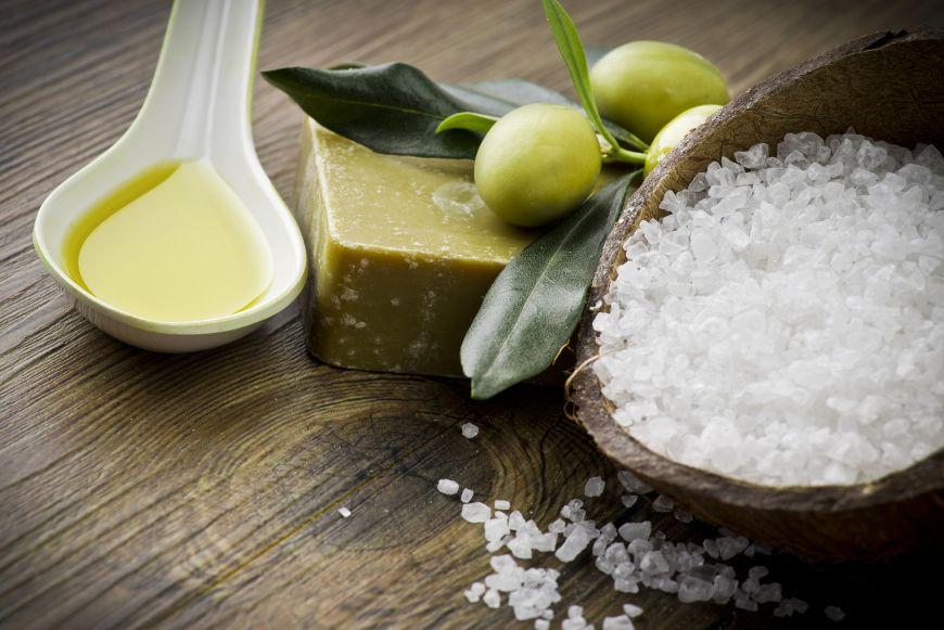 Cinci lucruri pe care le poti curata cu ulei de masline