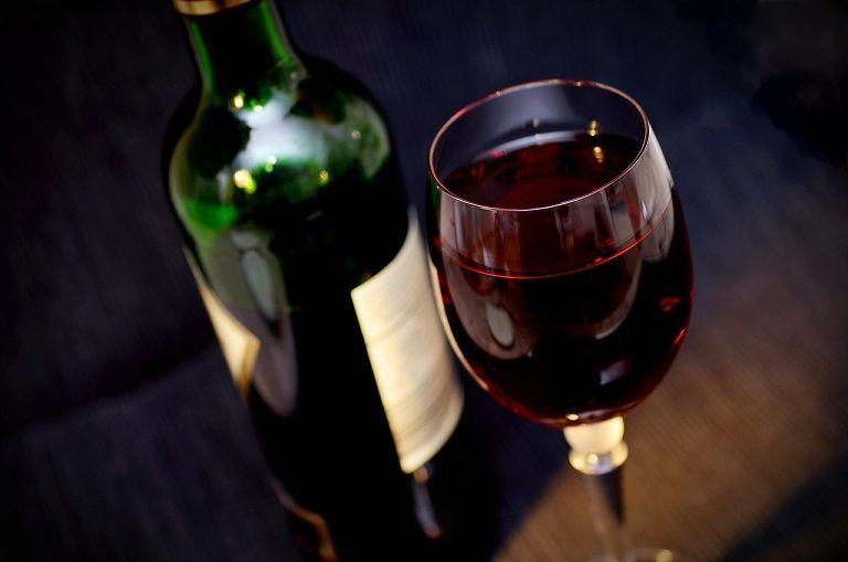 (P) Distracția e în toi atunci când alegi vinuri românești!