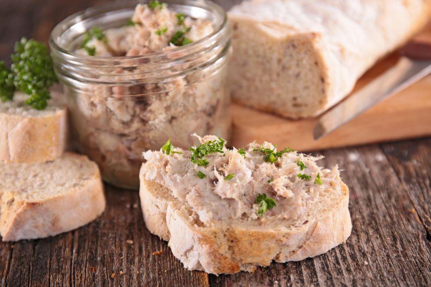 Pregătește un aperitiv gustos și rapid pentru invitații tăi! Afă cum să faci pate din ton la conservă