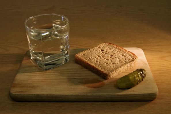 (P) Mâncăruri potrivite pe care să le asezonezi cu...un pahar de vodkă