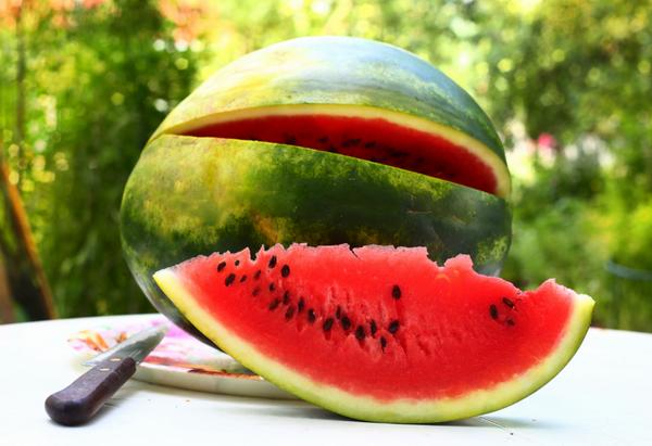 Cum să alegi pepenele perfect. La ce trebuie să fii atent când îl cumperi
