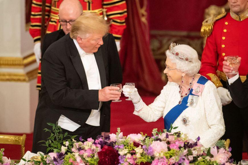 Cele 5 alimente pe care Familia regală britanică nu le suportă