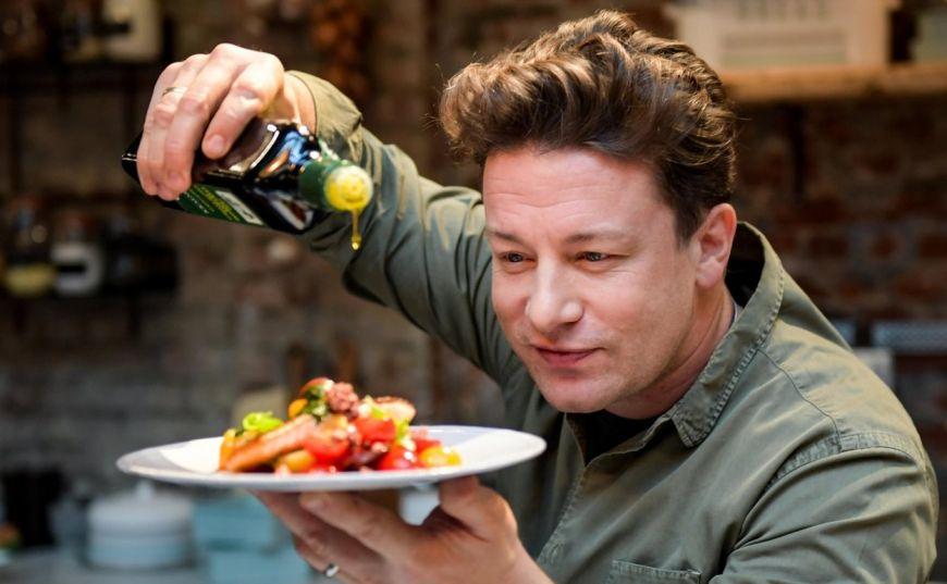 Trucul fabulos al lui Jamie Oliver pentru paste delicioase. Ce face cu ceapa
