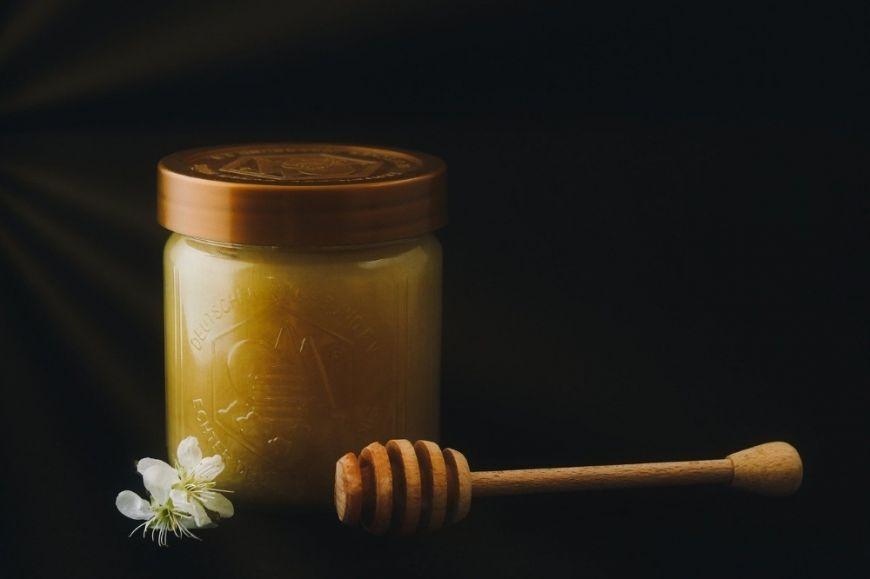 (P) Avantajele consumului de miere de Manuka în sezonul rece