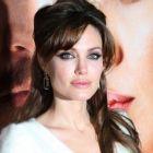 Cu cati barbati s-a iubit Angelina Jolie! 13 lucruri pe care nu le stiai despre ea!