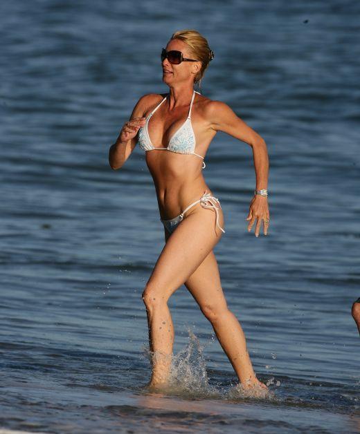 Nicollette Sheridan are un corp minunat  la 47 de ani. In 2009 a demonstrat-o in Los Angeles
