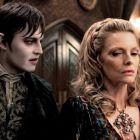 Johnny Depp arata genial in rol de vampir: fanii au fost cuceriti de o noua poza din Dark Shadows, filmul cu buget de 150 de milioane de dolari