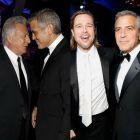 Batalie pe viata si pe moarte intre George Clooney si Brad Pitt. Clooney a oferit imaginea zilei la Critics Choice Awards