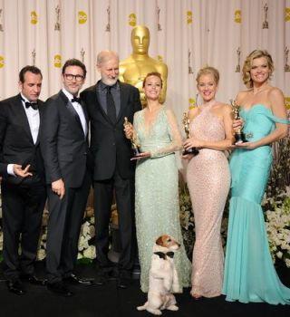 Oscar 2012: The Artist, marele castigator al serii. A luat 5 premii Oscar si a fost desemnat cel mai bun film al anului. Vezi aici lista castigatorilor
