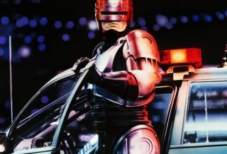 El este noul Robocop: actorul suedez care readuce la viata povestea unui personaj care a facut istorie acum 24 de ani