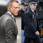 Javier Bardem de nerecunoscut in James Bond. Actorul a aparut alaturi de Daniel Craig in primele imagini din Skyfall