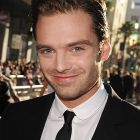 Actorul roman, Sebastian Stan este fiul lui Sigourney Weaver in Political Animals