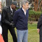 George Clooney a fost arestat alaturi de tatal sau. Imagini cu actorul in catuse si marturiile sale emotionante
