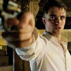 Robert Pattinson nu mai straluceste, s-a transformat intr-un bad boy. Uite cat de dur este in Cosmopolis, marea revenire a lui David Cronenberg
