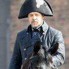 Russell Crowe ii uimeste pe fani in rolul Inspectorului Javert.  Vezi primele imagini