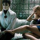 Johnny Depp intra din nou in universul sumbru al excentricului regizor Tim Burton. Actorul e revoltat de vampirii care arata ca fotomodele