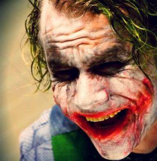 Trilogia lui Batman ia sfarsit fara niciun fel de referire la Jokerul lui Heath Ledger. Vezi 4 clipuri noi spectaculoase din The Dark Knight Rises