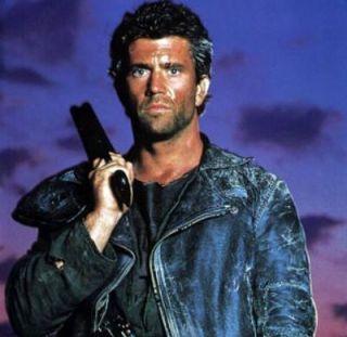 Filmul care i-a lansat cariera lui Mel Gibson acum 33 de ani este reinventat la Hollywood. Rosie Huntington-Whiteley joaca alaturi de Charlize Theron in Mad Max: Fury Road