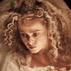 Helena Bonham Carter si Ralph Fiennes au parte de transformari spectaculoase in primul trailer pentru Great Expectations