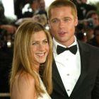 Brad Pitt si Jennifer Aniston au ingropat securea razboiului dupa 7 ani: actorul a sunat-o sa o felicite pentru logodna cu Justin Theroux
