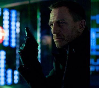 Skyfall, numit cel mai bun film de actiune din 2012 si reinvierea lui James Bond: vezi de ce a fost comparat cu The Dark Knight