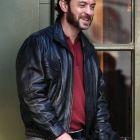 Jude Law, cu barba si taieturi pe fata: cat de mult s-a schimbat actorul britanic pentru filmul Dom Hemingway
